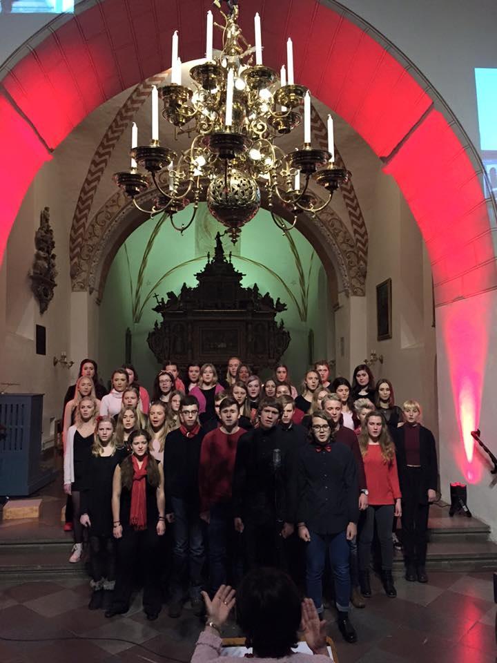 Kärlekskonsert med ungdomskörer från Åhus och Kristianstad.